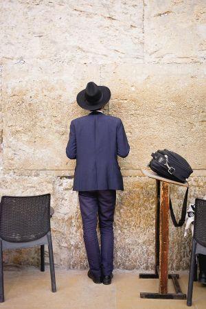 stefano-majno-jerusalem-israel-wall-ortodox.jpg