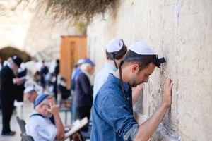 stefano-majno-jerusalem-israel-western-wall-boy.jpg