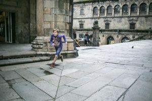 stefano-majno-portugal-santiago-de-compostela-cathedral-boy-running.jpg