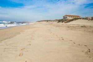 stefano-majno-portugal-viana-do-castelo-sand.jpg