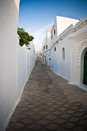 stefano-majno-morocco-crossing-asilah-ocean-sea-town-islam-medina.jpg