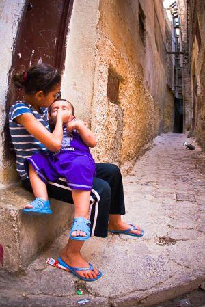 stefano-majno-morocco-crossing-fez-children.jpg