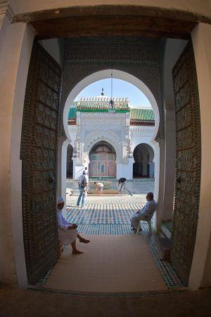 stefano-majno-morocco-crossing-fez-mosque-geometry.jpg