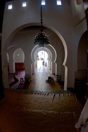 stefano-majno-morocco-crossing-mosque-fez.jpg