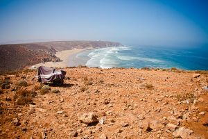 stefano-majno-morocco-crossing-plage-sauvage-sahara-border.jpg