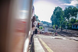 stefano majno sri lanka rail wandering train back-c14.jpg