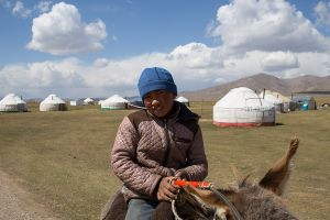 stefano majno boy kirghizistan milking