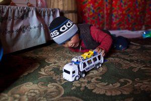 stefano majno rinad baby playing yurt song kol