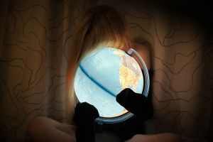 stefano majno digital shooting girl anna globe.jpg