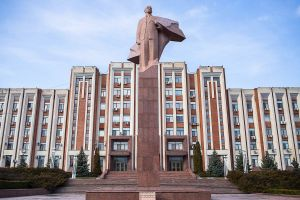 transnistria unrecognized country tiraspol moldova stefano majno parliament red lenin-c80.jpg